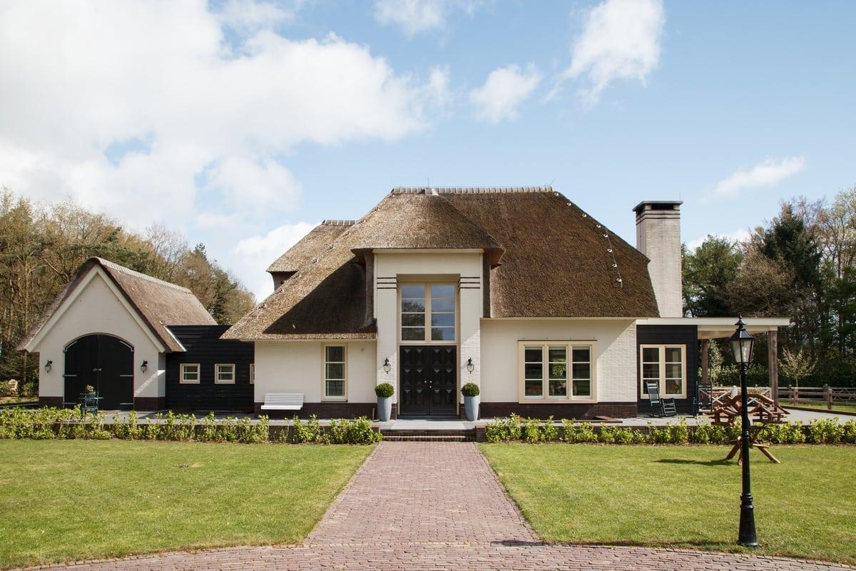 1. Rietgedekt huis bouwen, villa te epe vooraanzicht