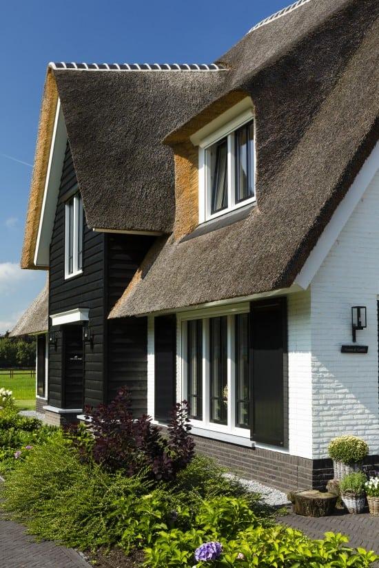 10. Rietgedekt huis bouwen Landhuis detail voorgevel Wierden