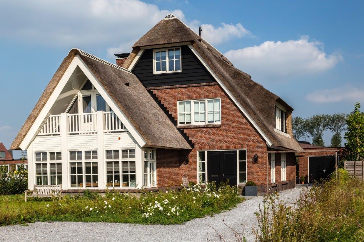13. Rietgedekt huis bouwen, villa te Utrecht