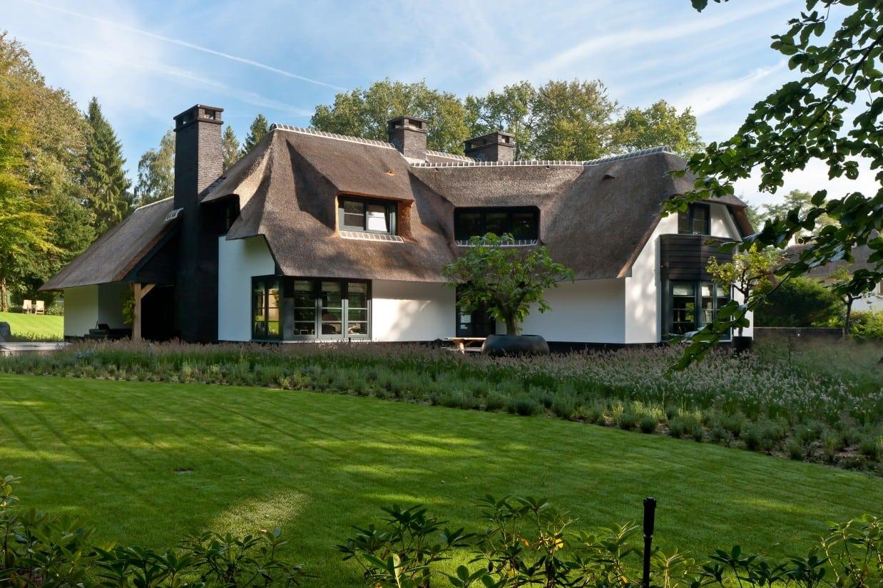 2. Rietgedekt huis bouwen, prachtige villa, op enorm grote kavel te Laren