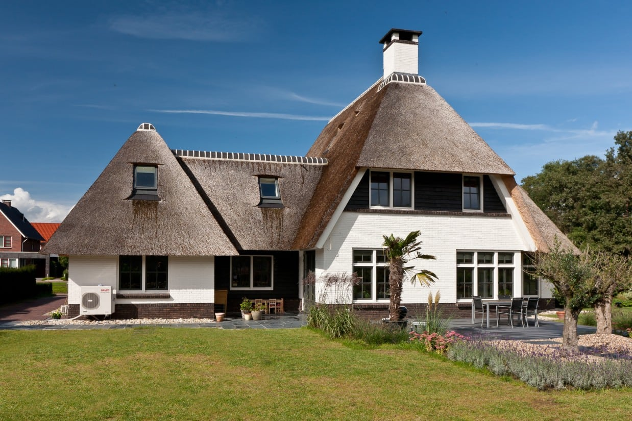 2. Rietgedekt huis bouwen villabouw te Almelo