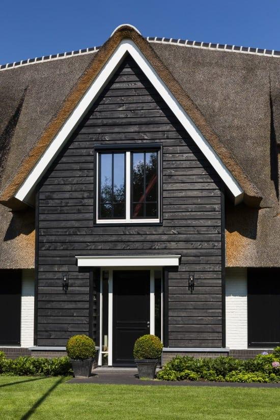 7. Rietgedekt huis bouwen Landhuis detail entree Wierden