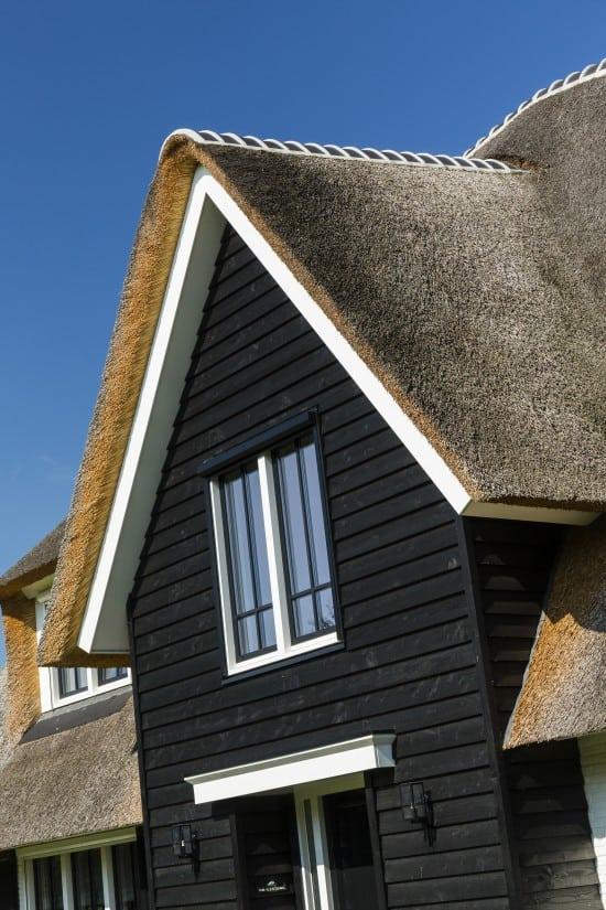 8. Rietgedekt huis bouwen Landhuis gepotdekselde gevel Wierden