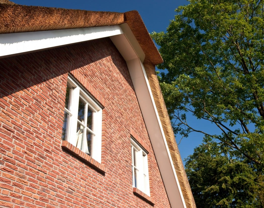 8. Rietgedekt huis bouwen Nokdetail rietgedekte villa Ugchelen