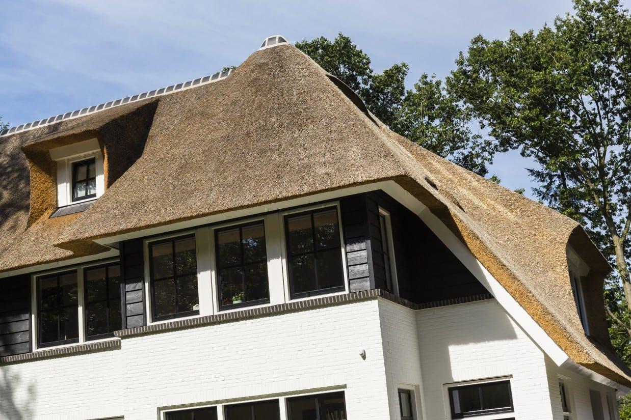 16. Rietgedekt huis bouwen detail eerste verdieping Zeist