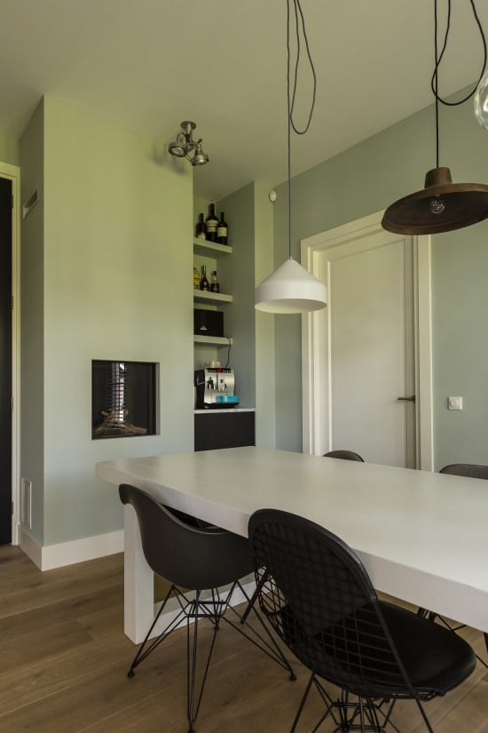 6. Rietgedekt huis bouwen Openhaard bij zithoek villa Zeist