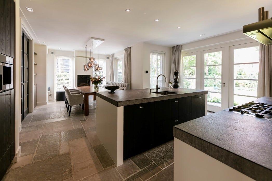 Villa te Zeist woonkeuken met kookeiland